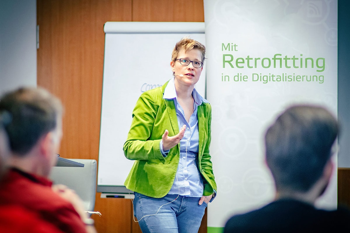 erminas CTO Dr. Yvette Teiken gives a digitization workshop